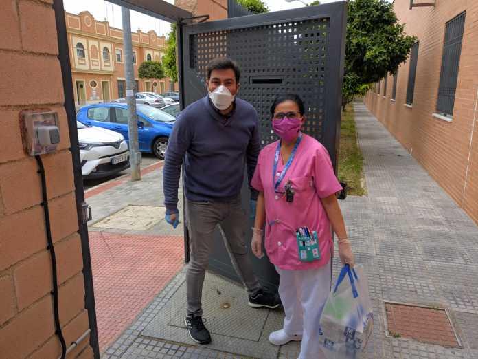 donación de mascarillas y guantes