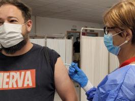 Andalucía continúa bajando esta semana el corte de vacunación contra el Coronavirus, esta vez para las personas con 24 y 23 años